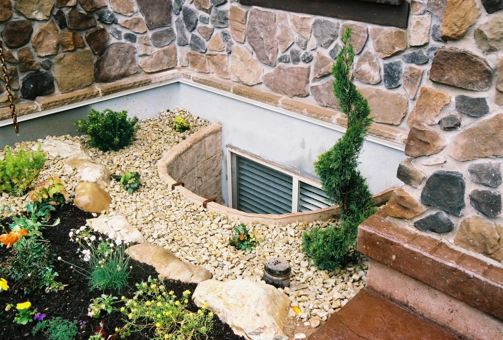 egress window well cover to improve curb appeal